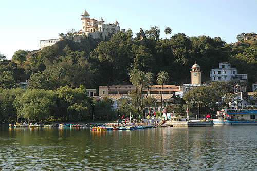 mount-abu-nakki-lake